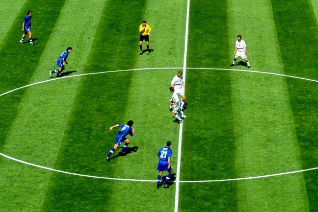 """Resultado de imagen para Foto de regla futbolística del """"fuera de juego"""""""