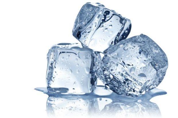 Al fin y al cabo, es agua congelada, pero cuidado con tus dientes.