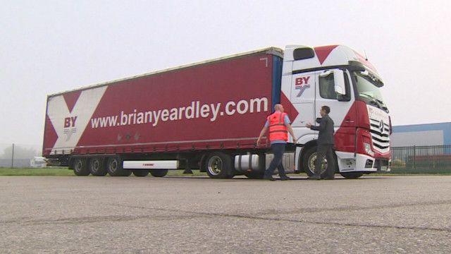 視頻:偷渡活動令貨車司機深受困擾 - BBC News 中文