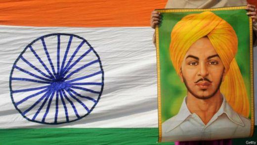 भगत सिंह, पीली पगड़ी और दाढ़ी में तस्वीर