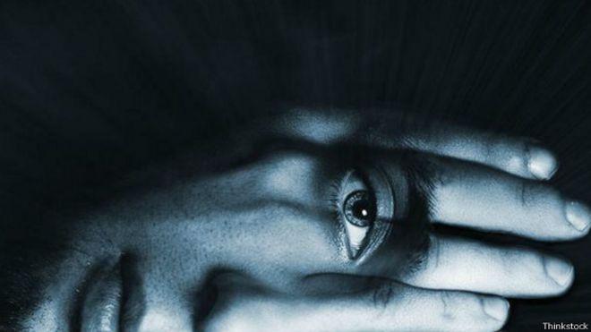 Mano ojo