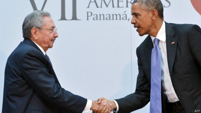 Obama e Castro na Cúpula das Américas (AFP)