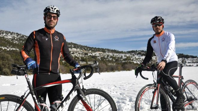 Ciclistas con un maillot inteligente o que incorpora tecnología Foto Eurecat