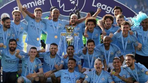 Manchester City celebrate winning the 2018-19 title