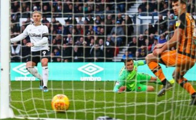 Derby County 2 0 Hull City Rams Martyn Waghorn Goes Past
