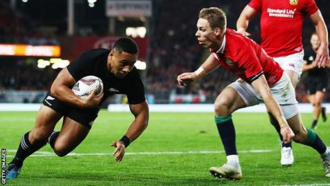 Ngani Laumape scores the first try for the All Blacks