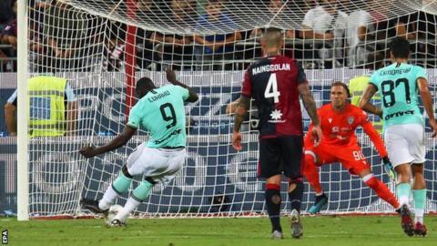 Romelu Lukaku scores for Inter Milan at Cagliari