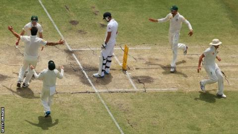 Резултат со слика за Ashes: Australia thrash England in Perth to regain urn