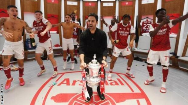 Arsenal boss Mikel Arteta celebrates after winning the FA Cup