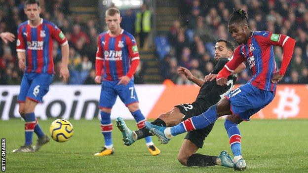 Crystal Palace 1-1 Brighton & Hove Albion: Wilfried Zaha rescues Palace  point - BBC Sport