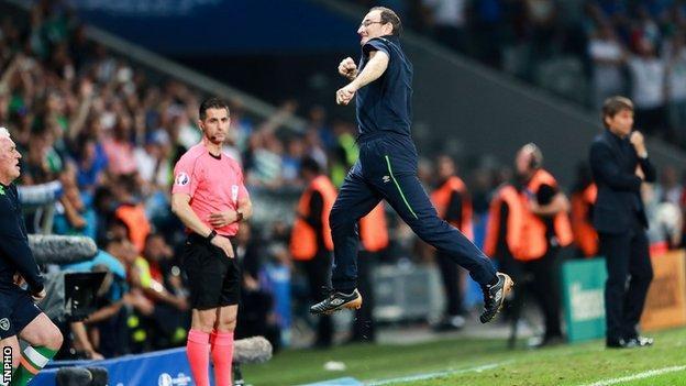 Martin O'Neill celebrates Ireland's win against Italy at the 2016 European Championships