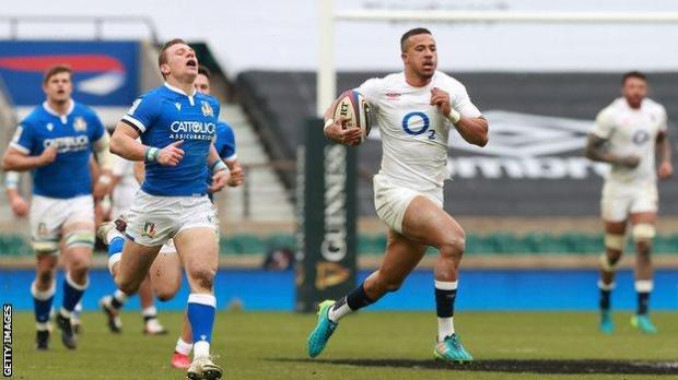 Anthony Watson runs with the ball