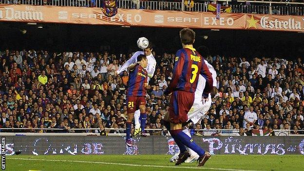 Ronaldo scores against Barcelona