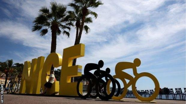 Tour de France 2020 sign in Nice