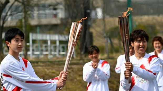 Azusa Iwashimizu passed the torch to student Asato Owada