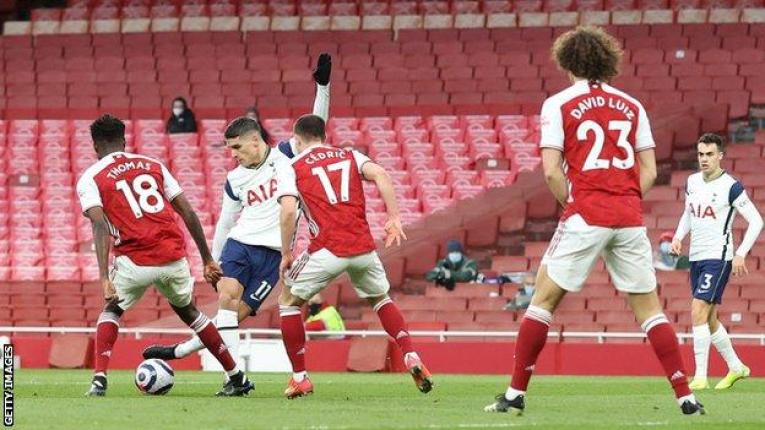 Arsenal 2-1 Tottenham Hotspur: Erik Lamela scores rabona but is later  red-carded in derby - BBC Sport
