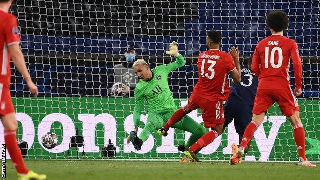 Eric Maxim Choupo-Moting heads in for Bayern Munich
