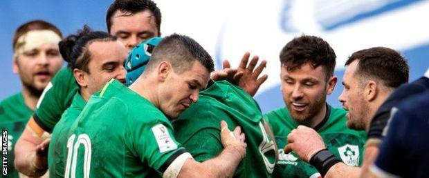 Tadhg Beirne is congratulated after scoring Ireland's second try