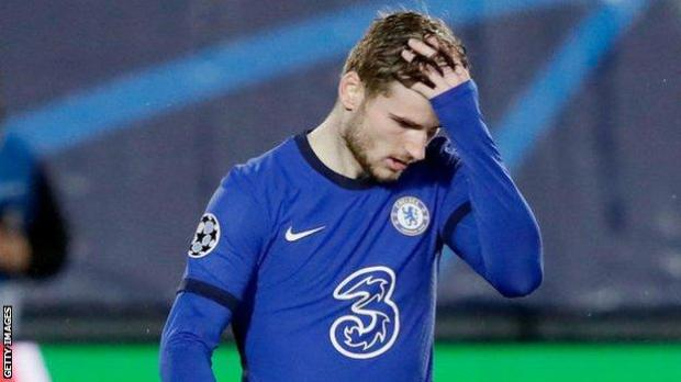Timo Werner holds his head during Chelsea's game at Real Madrid