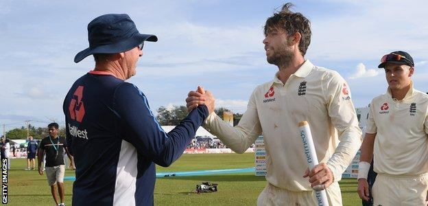 Ben Foakes is congratulated by Trevor Bayliss