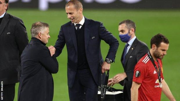 Solskjaer's pursuit of a first trophy with United continues