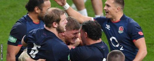 Jack Willis is congratulated by team-mates