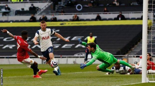 Fred scores for Manchester United as they come back to beat Tottenham