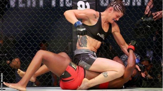 Claressa Sheilds and Brittney Elkin fight