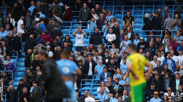 , Premier League & Championship clubs can trial safe standing from 1 January, The Evepost BBC News