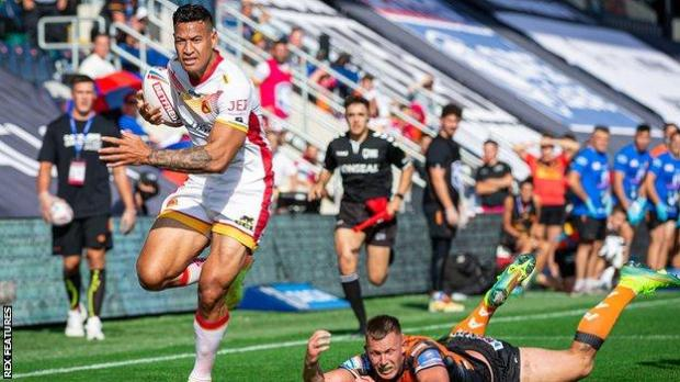 Israel Folau scores for Catalans