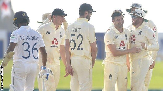 Mark Wood celebrates wicket