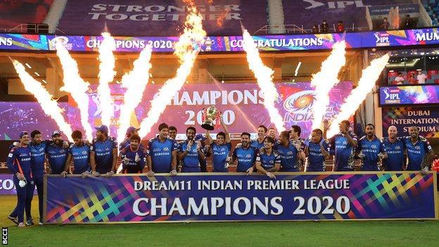 Mumbai Indians team celebrating winning the 2020 IPL