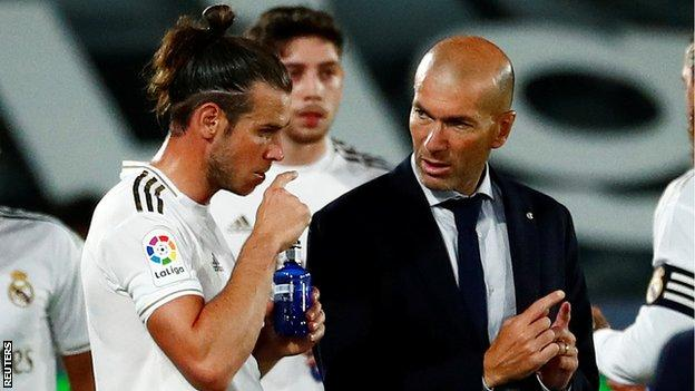 foot ball Gareth Bale and Real boss Zinedine Zidane