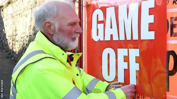 Game off sign