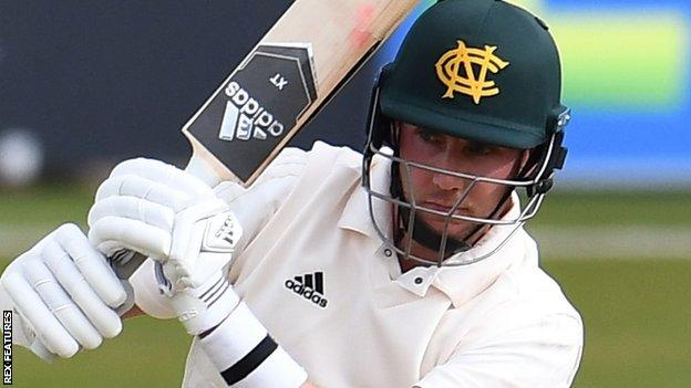 Stuart Broad batting for Nottinghamshire against Warwickshire