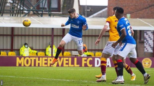 Cedric Itten scores for Rangers against Motherwell