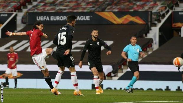 Edinson Cavani scores for Man Utd against Granada