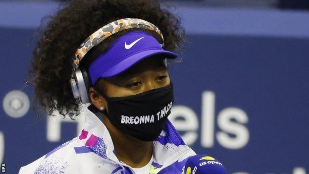 sport Naomi Osaka walked out on court wearing a face mask with the name of Breonna Taylor, a black woman who was shot dead by a policeman in March in the United States