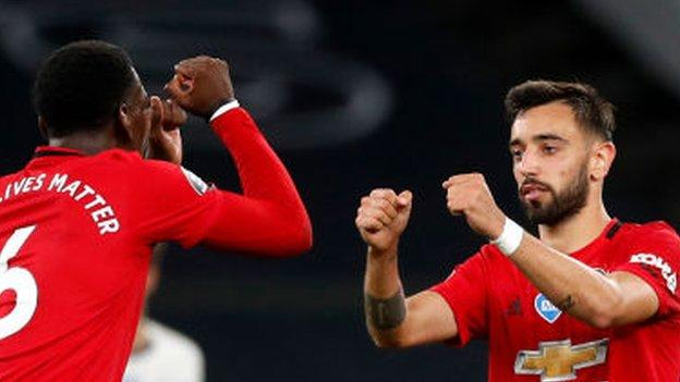 Photo of Tottenham Hotspur 1-1 Manchester United: Bruno Fernandes' late penalty earns visitors draw