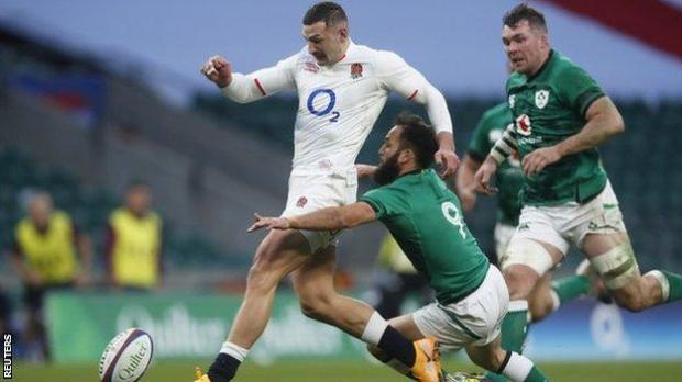 Jonny May runs through to score England's second try against Ireland