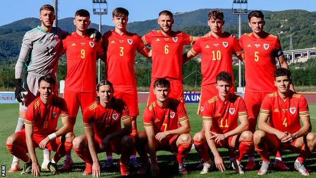 Placed in group b, the red devils will be the favourites to finish at the top of the table. Wales Under-21 include four new faces for Belgium Euro ...