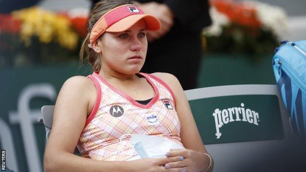 Sofia Kenin looks dejected after losing the French Open final