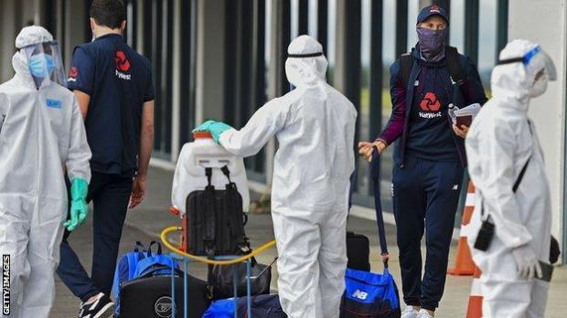 England squad arrive in Sri Lanka