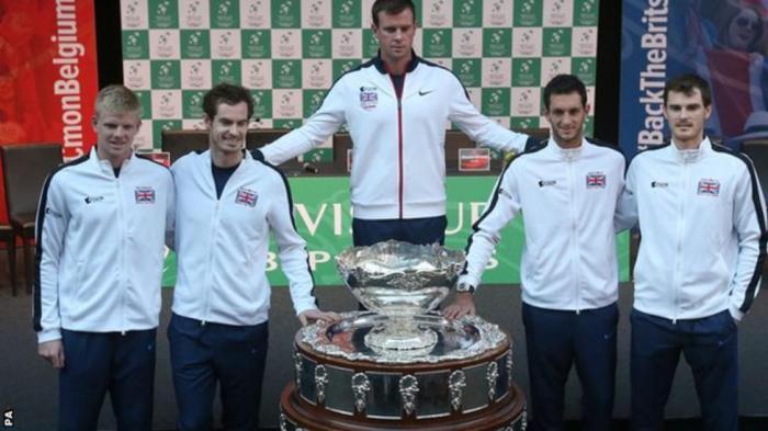 Kyle Edmund, Andy Murray, Davis Cup captain Leon Smith, James Ward and Jamie Murray