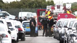 Servicios de seguridad en el aeródromo de Blackbushe tras la explosión