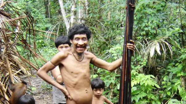 People from Brazil's Guaja tribe (Rob Walker) (Credit: Rob Walker)