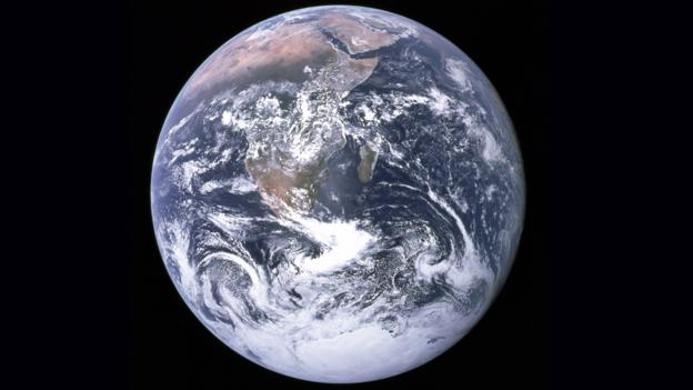 If the Universe is infinite, there should be countless Earths (Credit: NASA)