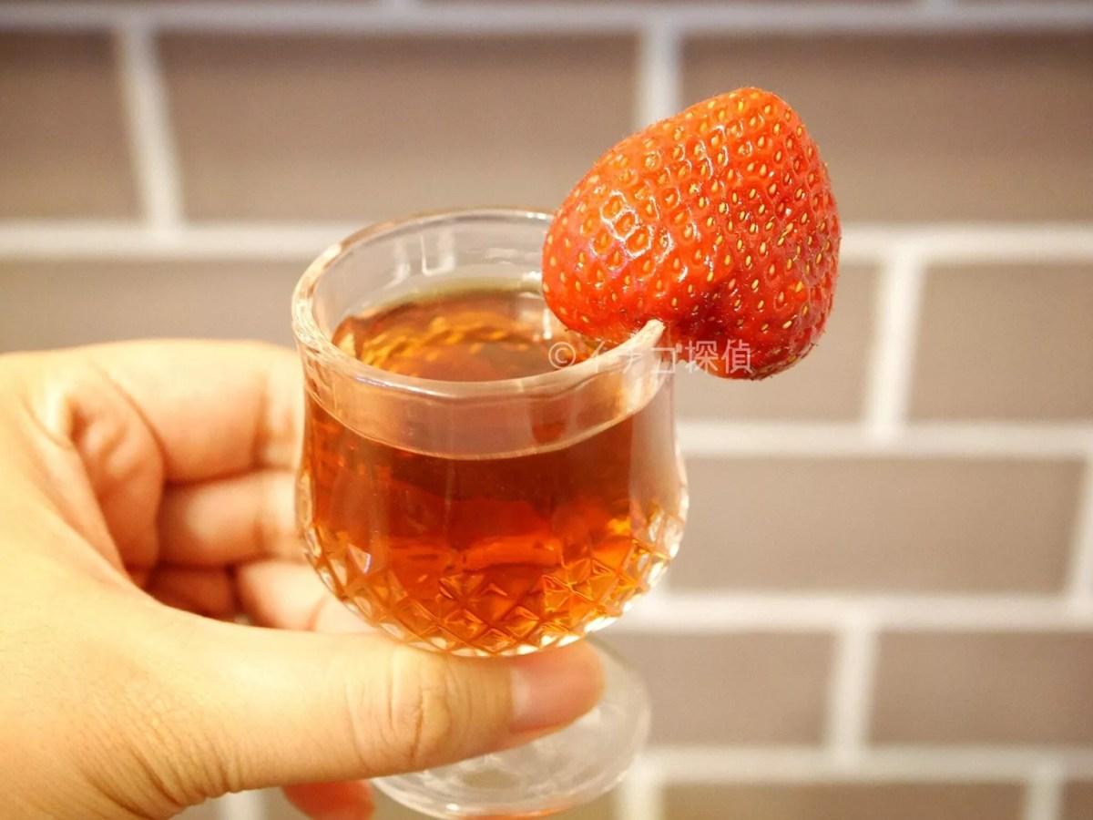イチゴ探偵|夏いちごシーズンスタート!東北産の【なつあかり】をいちごワインに添えて!