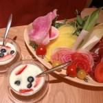 イチゴ探偵|いちご入りドレッシングでサラダ食べ放題!恵比寿「THE KINTAN STEAK」のステーキコースを体験!