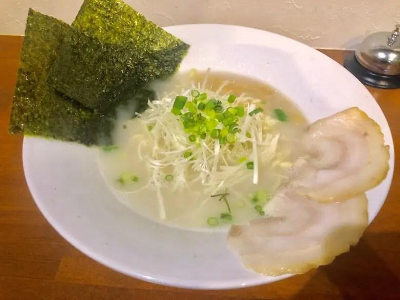 麺バル3×3(サザン)ラーメン白(塩)